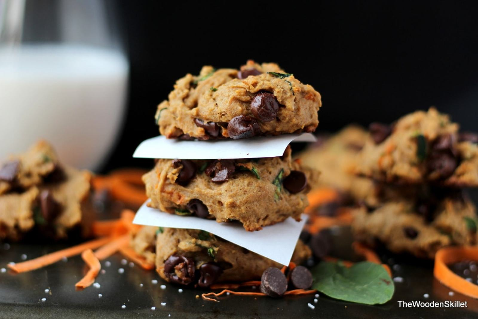 Healthy Chocolate Chip Cookies with Spinach, Zucchini and Carrots - They are healthy and kid-friendly! thewoodenskillet.com #kidfriendly #cookies
