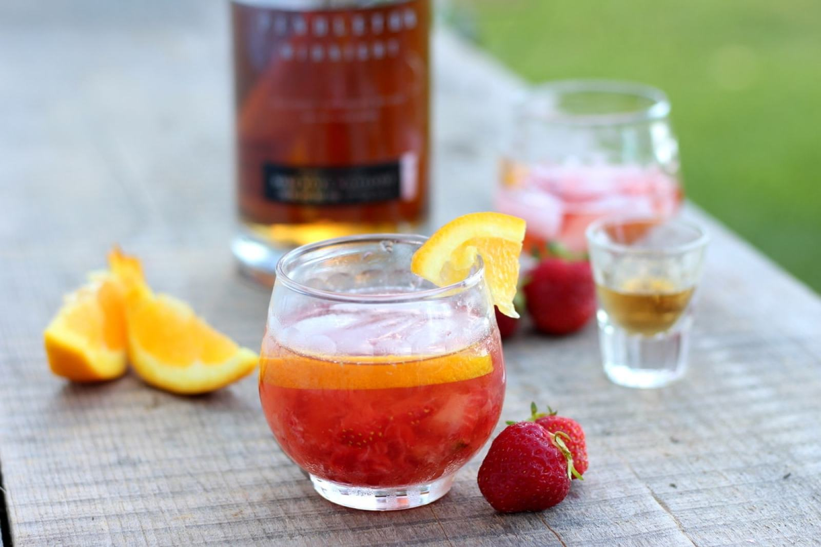 Strawberry Old-Fashioned - thewoodenskillet.com #cocktail #whiskey