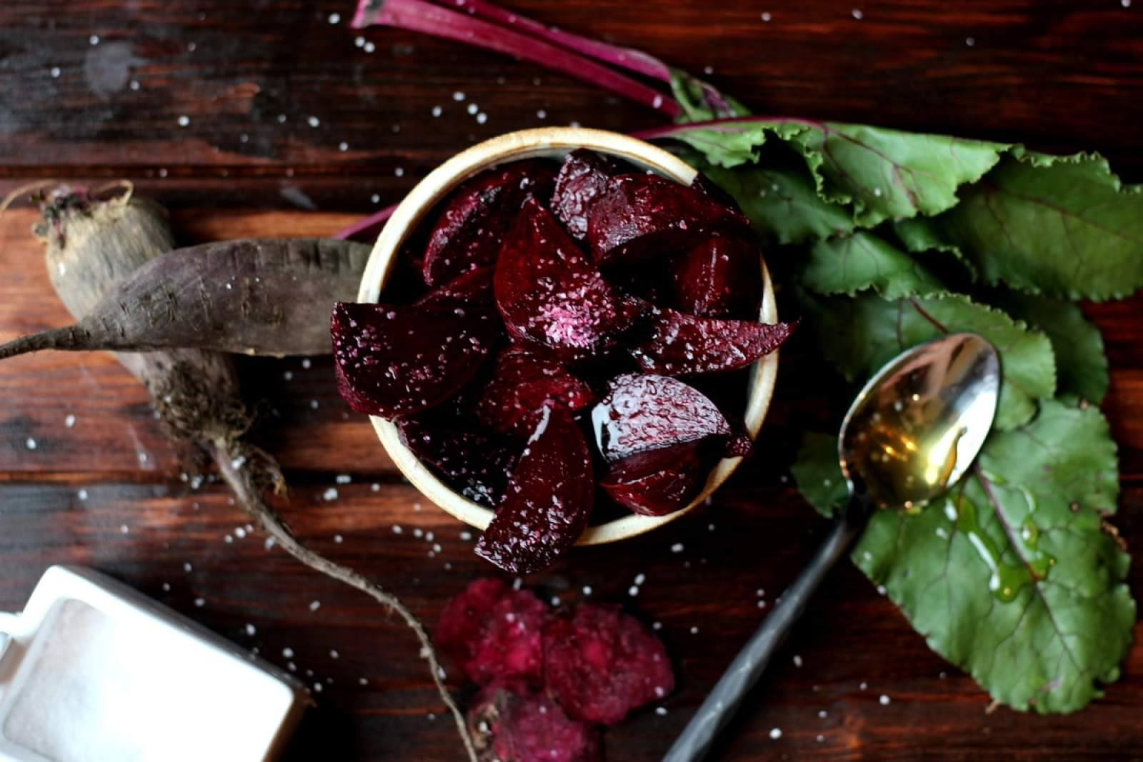 Roasted Beets with Salt and Honey thewoodenskillet.com #sidedish #beets #appetizer