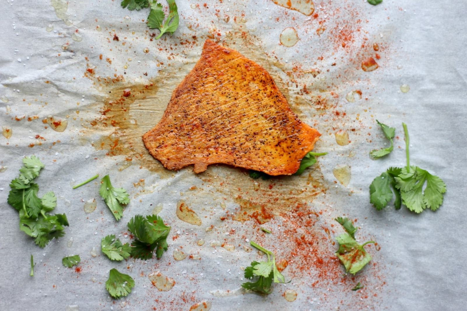 How to make crispy chicken skins - thewoodenskillet.com