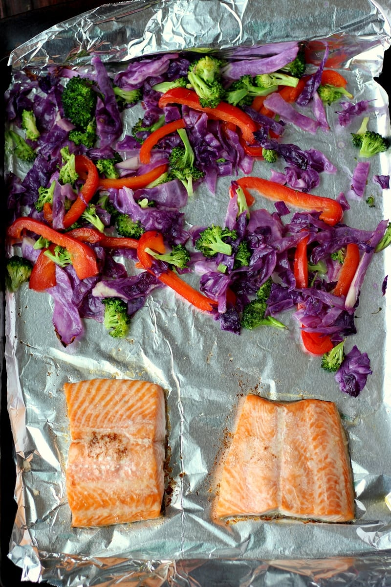 Vibrant Salmon Sushi Bowl - a quick and easy recipe for salmon that is quick and healthy - thewoodenskillet.com