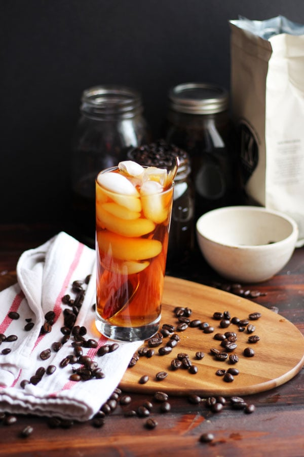 How to Make Cold Brew Coffee at Home - thewoodenskillet.com #coldbrew