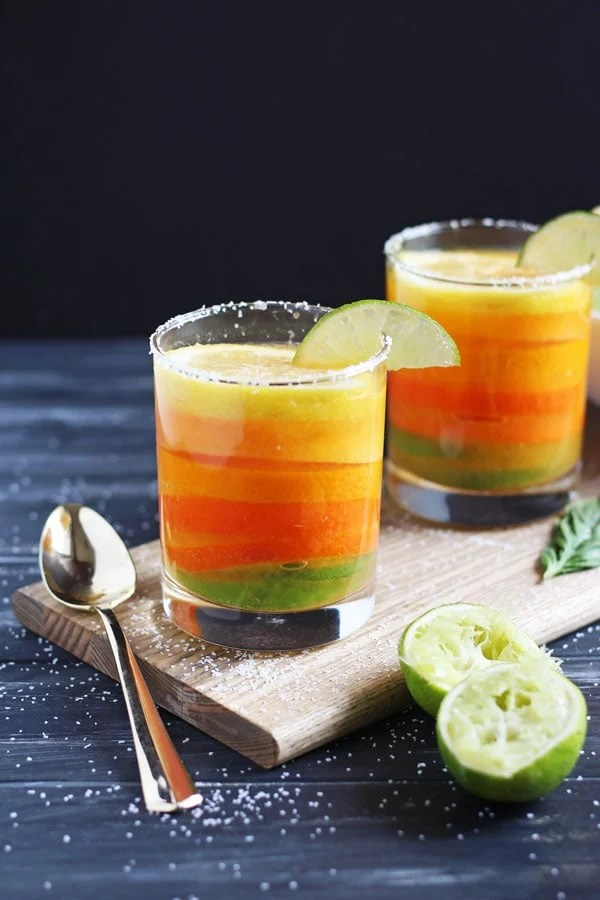 Simple Citrus Basil Margarita - a light and refreshing cocktail for summer or Cinco de Mayo! thewoodenskillet.com