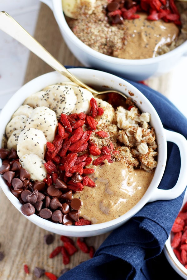 Oatmeal Superfood Breakfast Bowl - a quick and easy breakfast recipe that will keep you full all morning long! thewoodenskillet.com