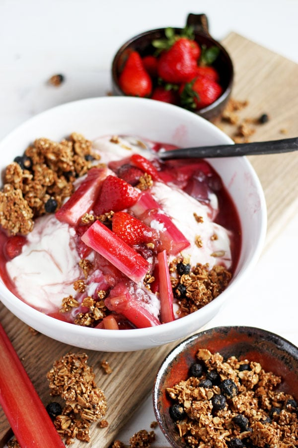 Braised Strawberry Rhubarb Compote + Yogurt and Granola - tastes like strawberry rhubarb pie! thewoodenskillet.com
