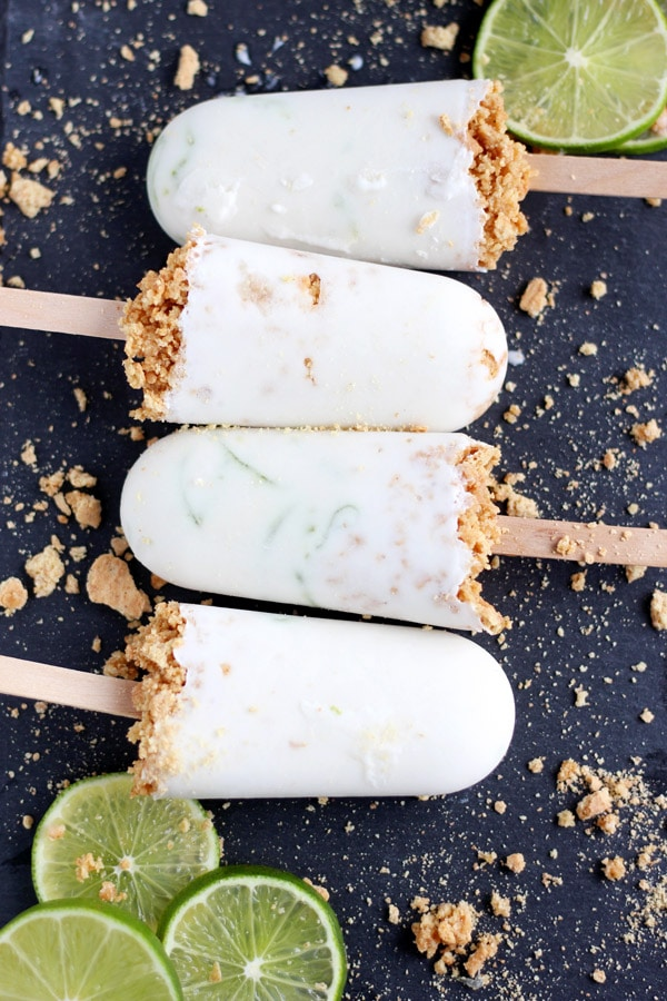Coconut Key Lime Pie Popsicles + Graham Cracker Crust - thewoodenskillet.com