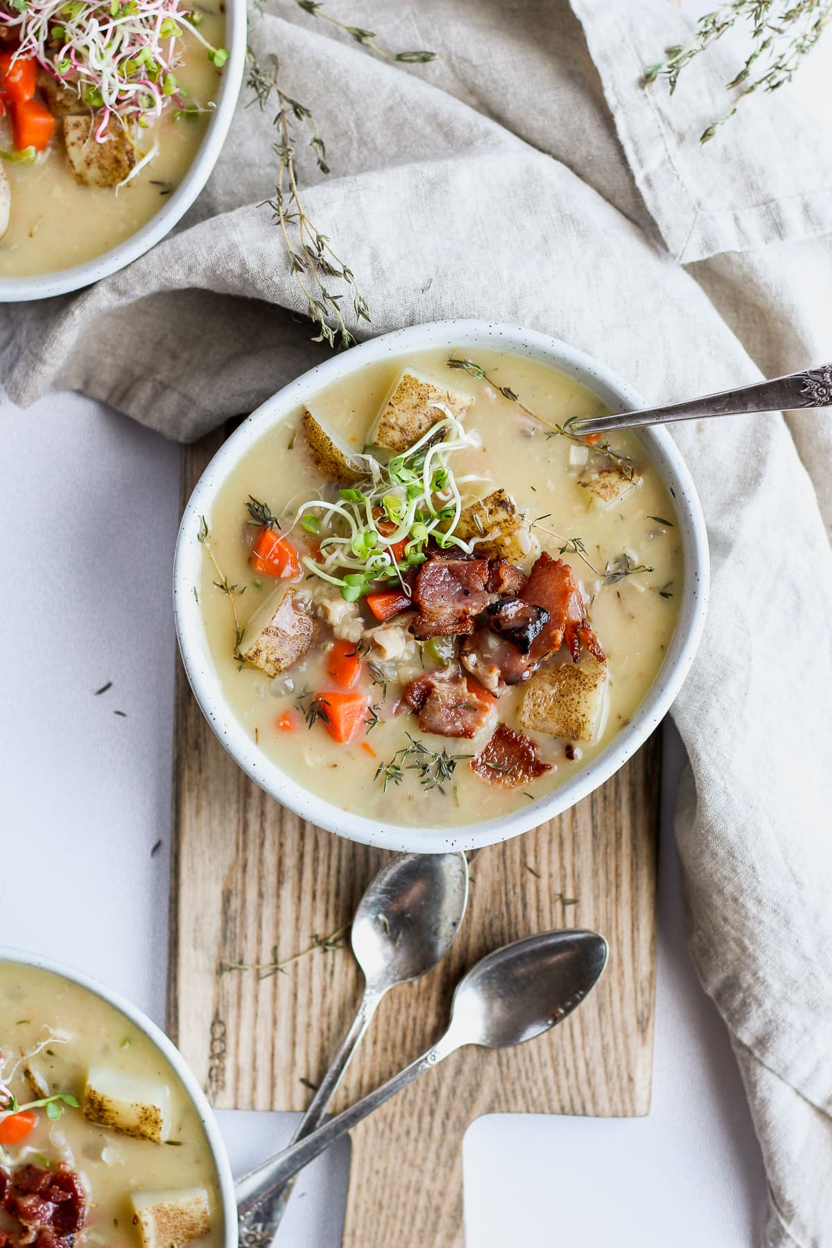 Whole30 Creamy Clam Chowder - the perfect bowl of thick and creamy soup! #whole30 #dairy-free