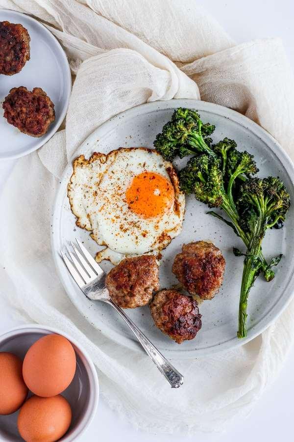 Simple Homemade Whole30 Breakfast Sausage