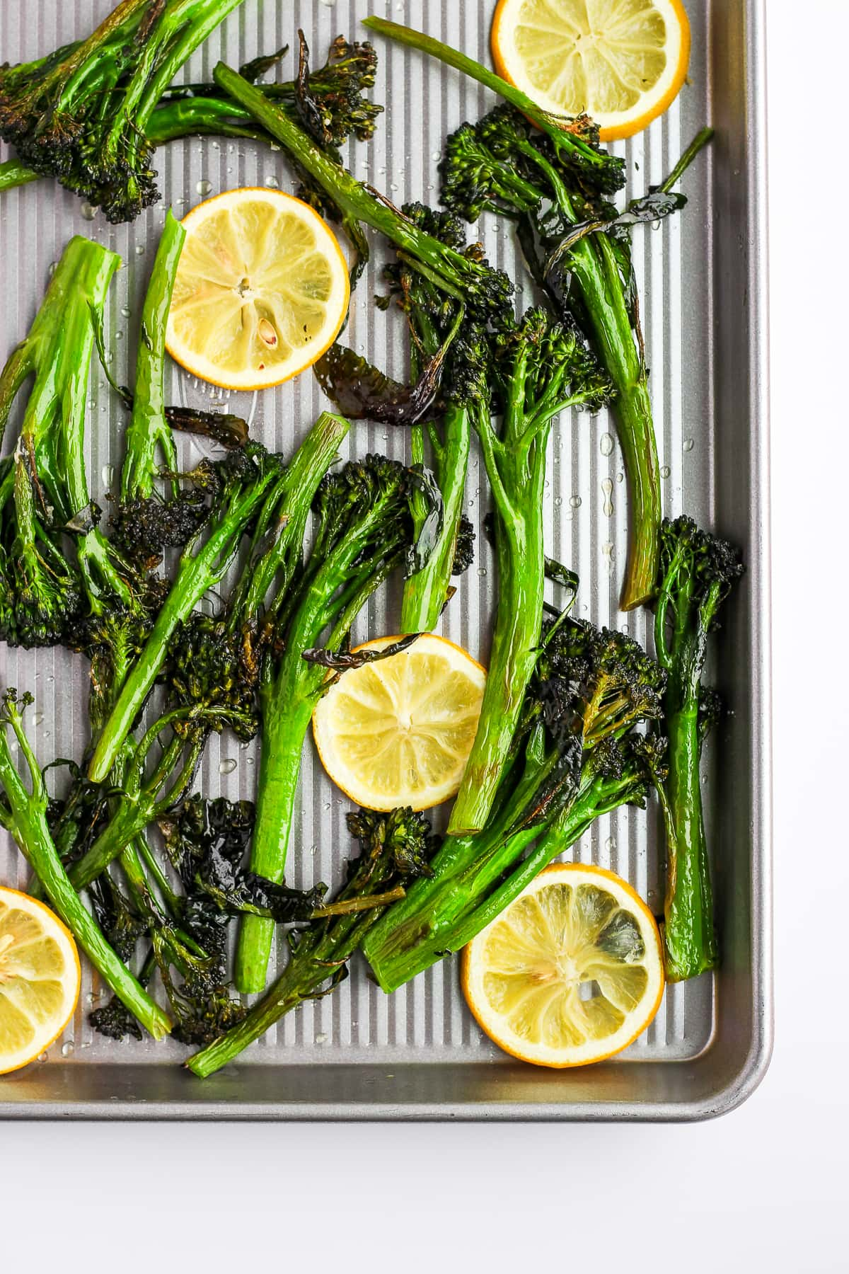 Super Simple Roasted Broccolini - the easiest and most delicious side dish for any meal! #whole30 #vegan