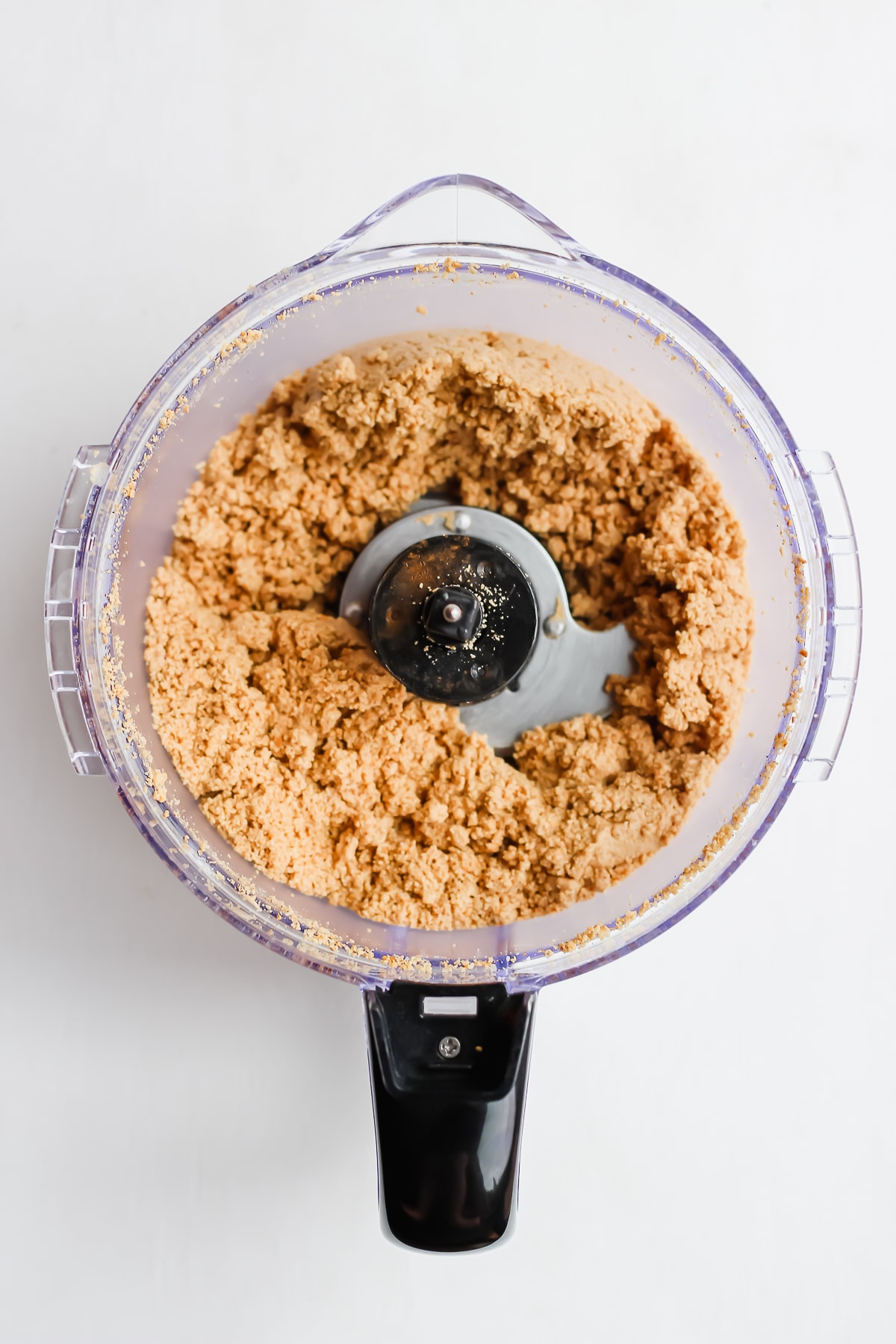 Creamy Roasted Cinnamon Cashew Butter - rich, creamy and delicious homemade cashew butter! So easy to make at home! #whole30 #paleo