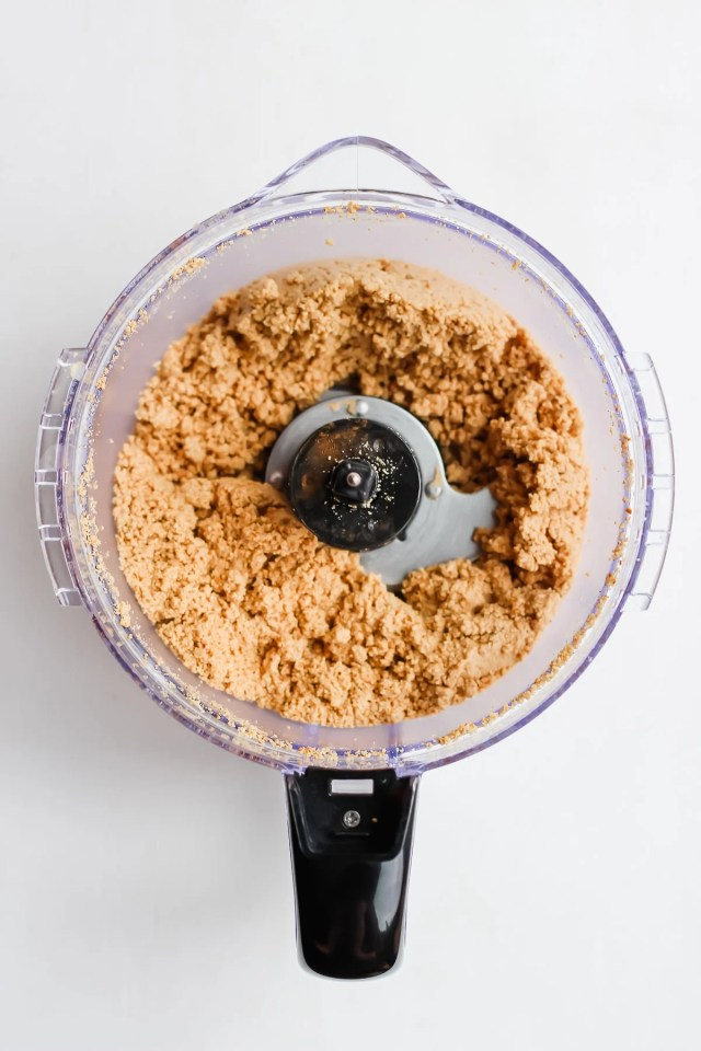Creamy Roasted Cinnamon Cashew Butter
