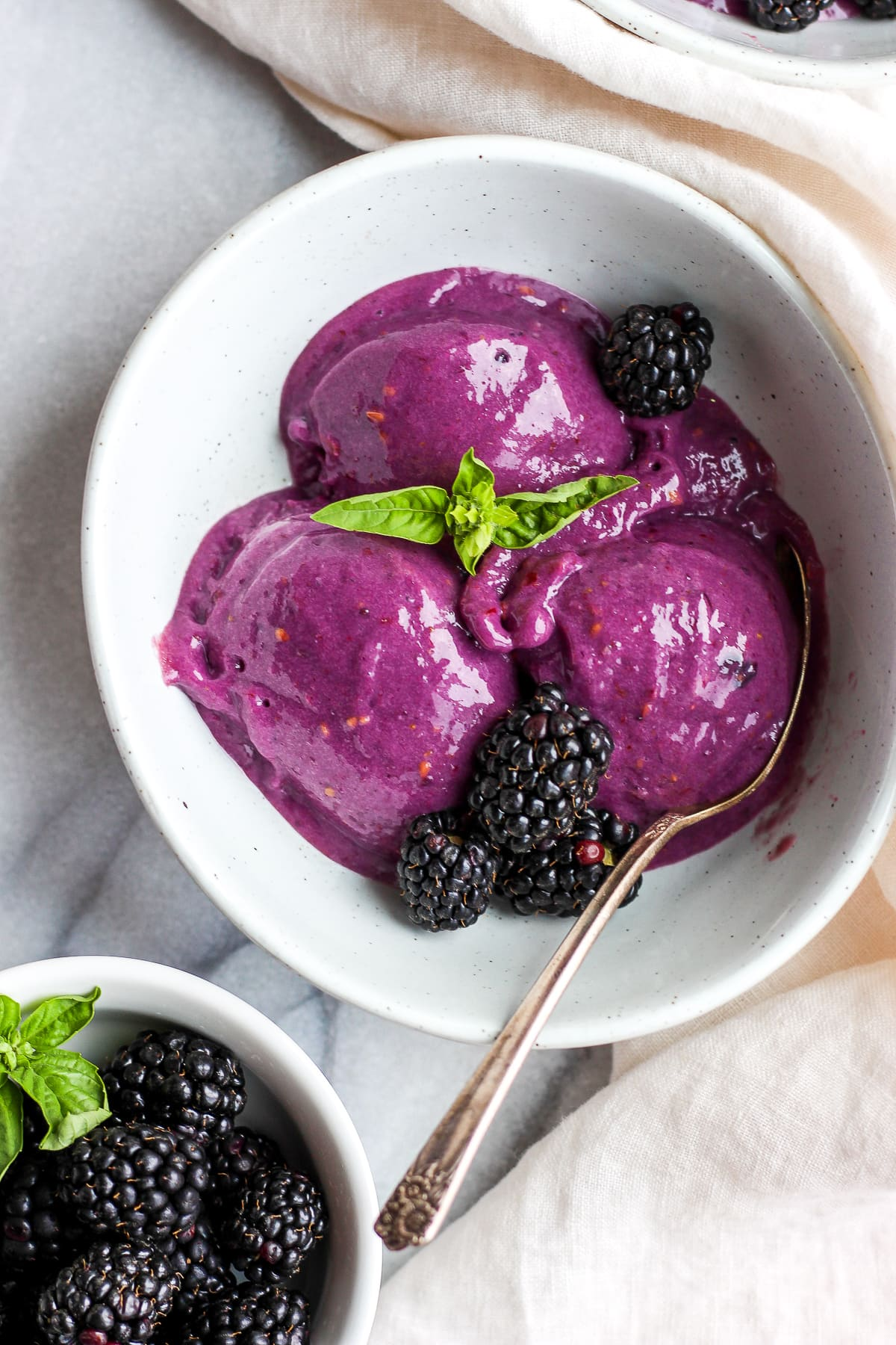 Creamy Blackberry Basil Nice Cream - a light and delicious dessert that is dairy-free and vegan! #healthydessert #vegan #dairyfree