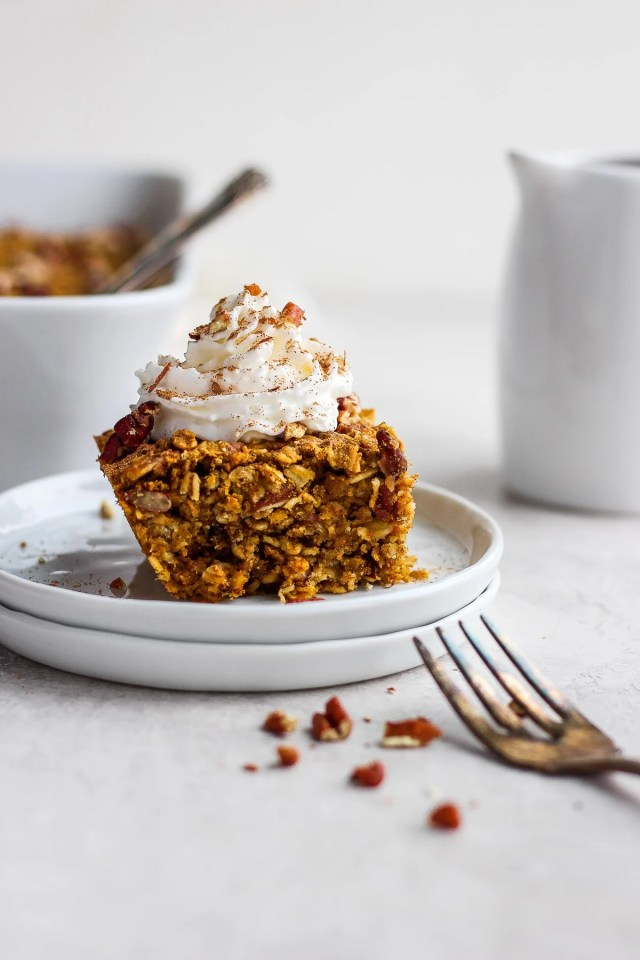 Delicious Dairy-Free Pumpkin Pie Oatmeal Bake