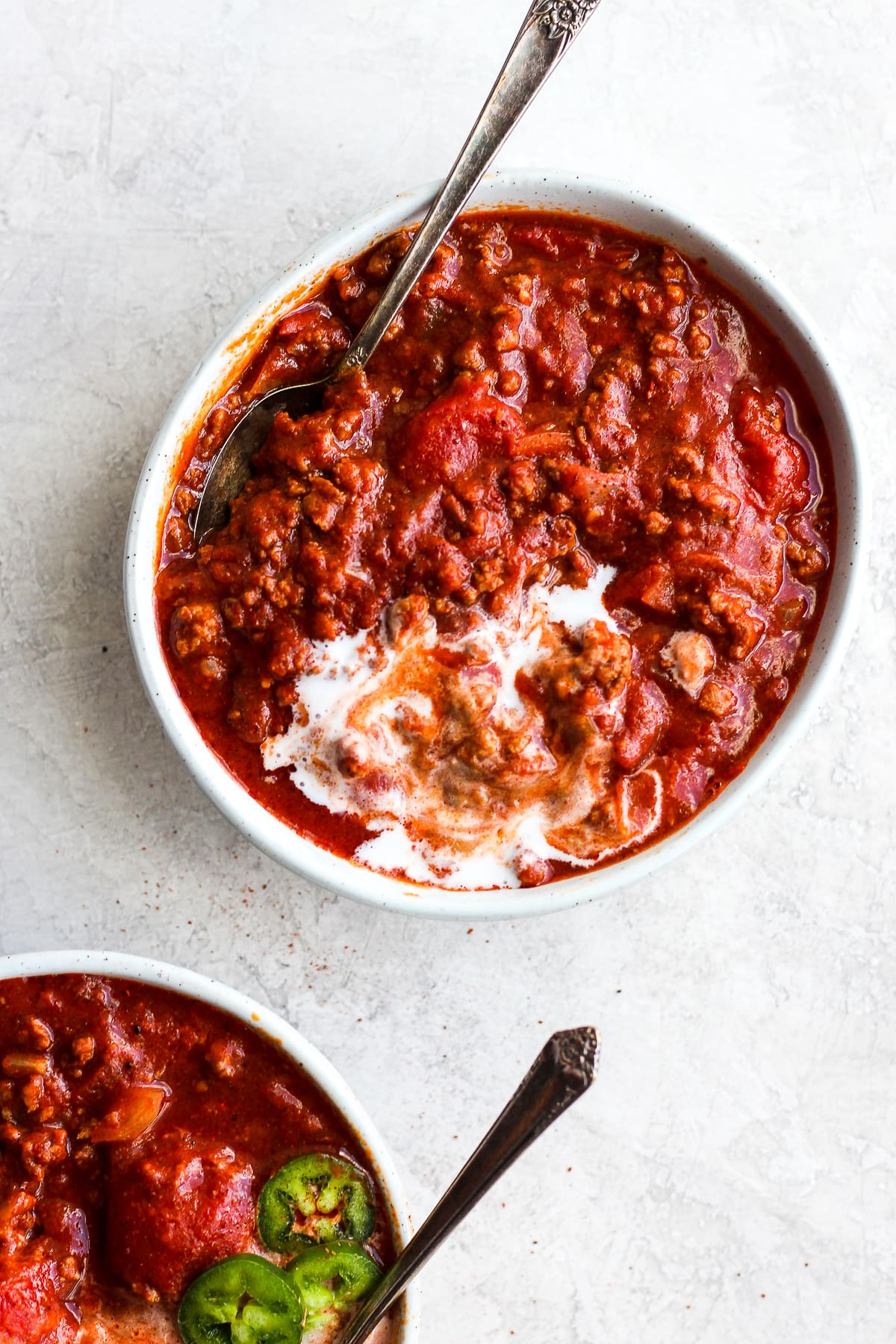 The Absolute Best Classic Paleo Chili - the simple classic, but made paleo and Whole30! So simple an turns out perfectly EVERY time! #whole30 #paleo #glutenfree #dairyfree