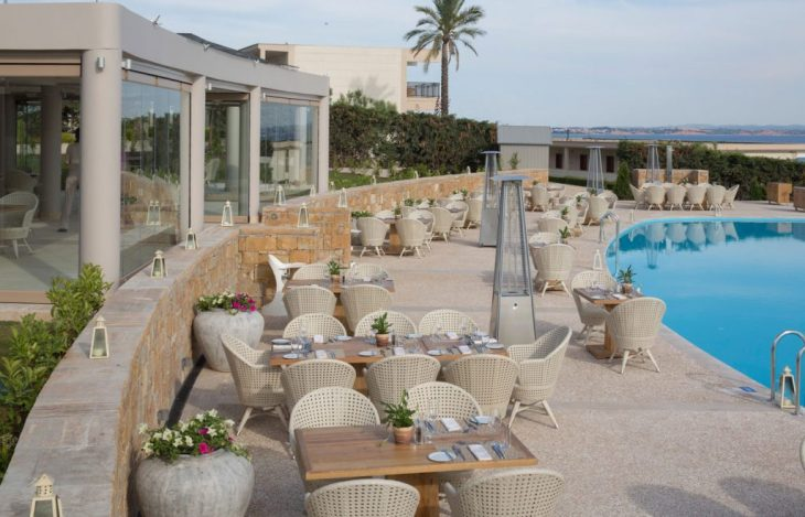 PROVENCE-French-Restaurant-Outside-Space-By-Infinity-Pool-OCEANIA-2-1024x658