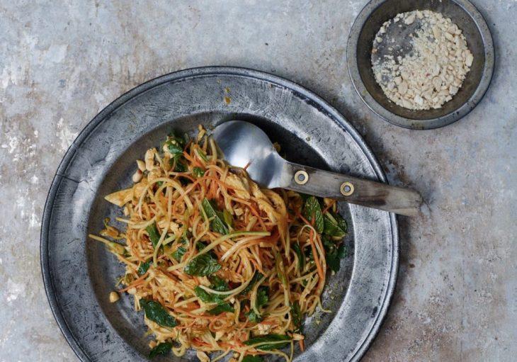Burmese-Chicken-Salad-Turmeric-Chilli-Lime-Peanuts-1024x717