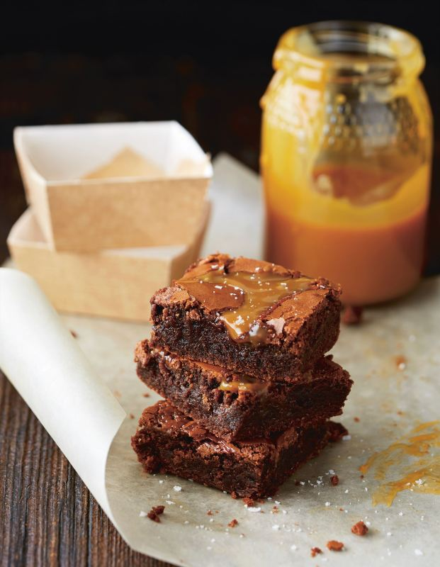 5264f3c75438a_t_brownies_with_salted_caramel_1