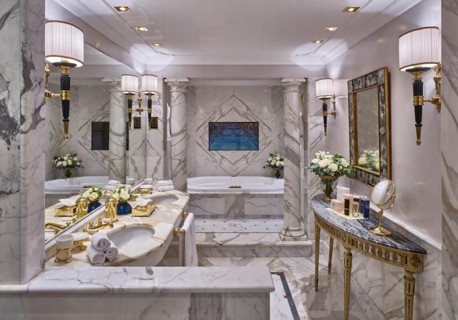 Petronius Suite_Bathroom