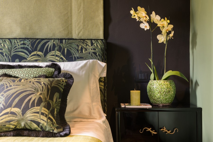 velona's jungle - livingstone suite bed detail