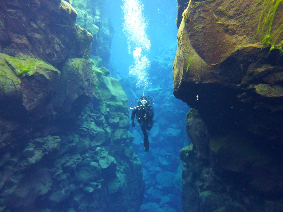 diving silfra crack