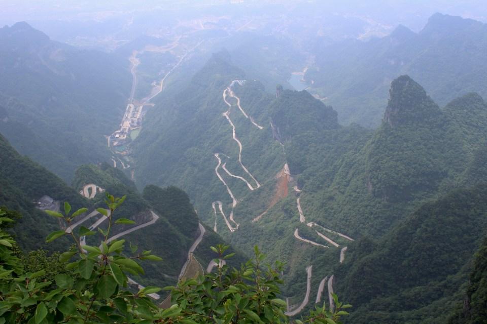Tianmen Mountain road 99 curves