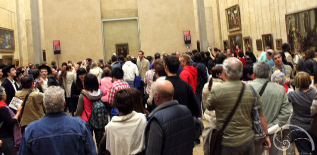 A sight to behold... The Mona Lisa Fan Club.