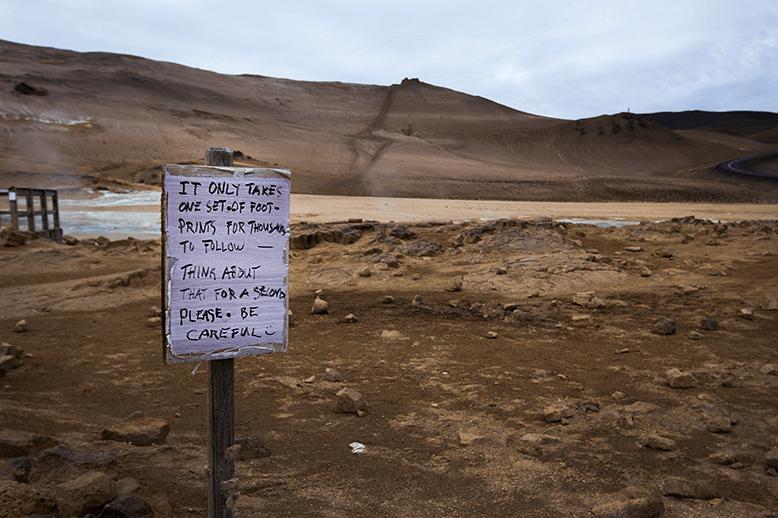 Myvatn-warning-sign