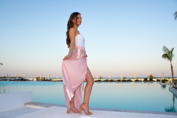 pink maxi skirt evening outfit