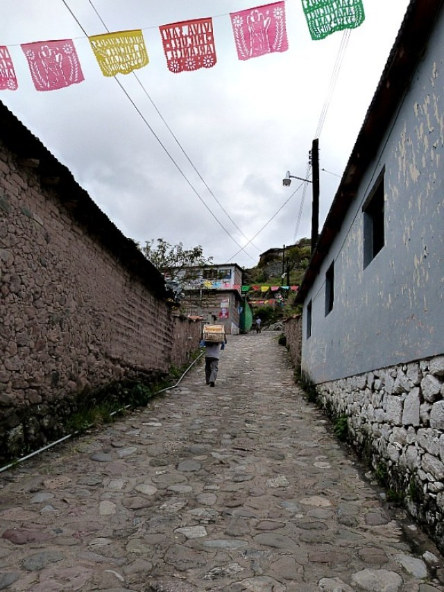 Hiking through Amatlan, one of the Pueblos Mancomunados villages in the Sierra Norte Mountains in Oaxaca, Mexico