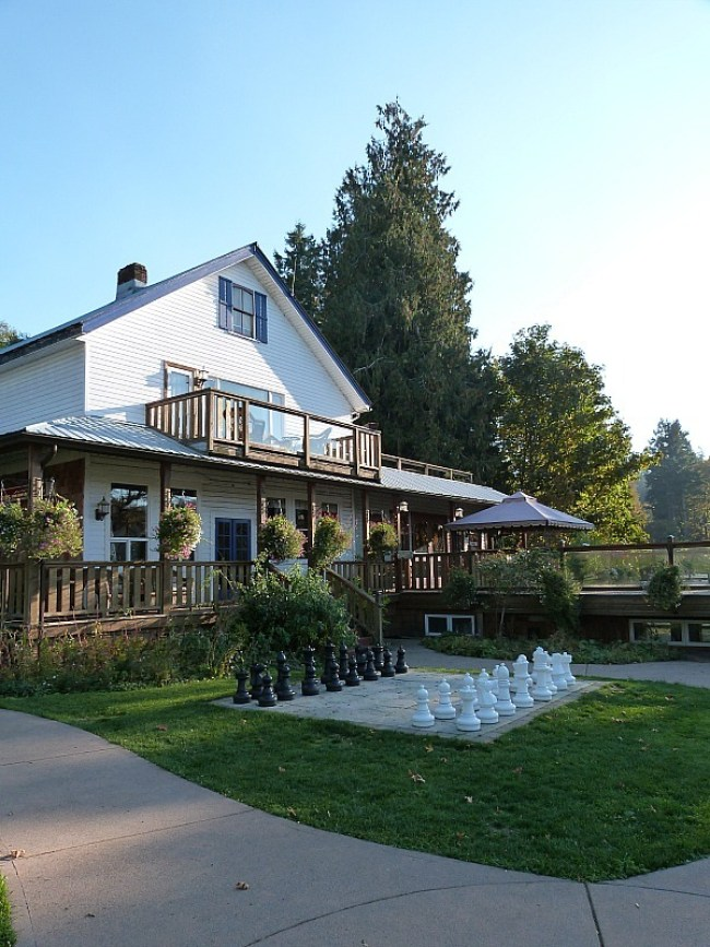 Heriot Bay Inn and Pub on Quadra Island, BC