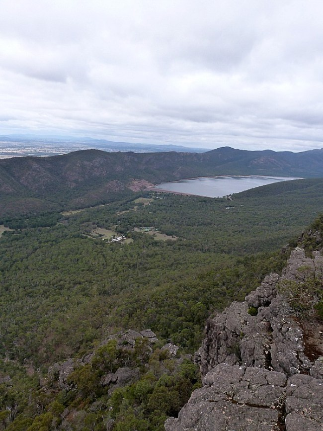 Hiking in the Grampians to the Pinnacle