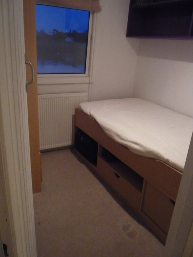 The spare bedroom on our London Houseboat in Richmond