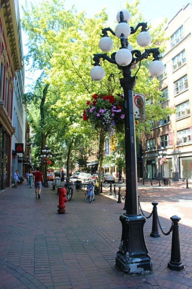 The Best Vancouver Itinerary: 4 Days in Summer. Gastown is best during summer in Vancouver
