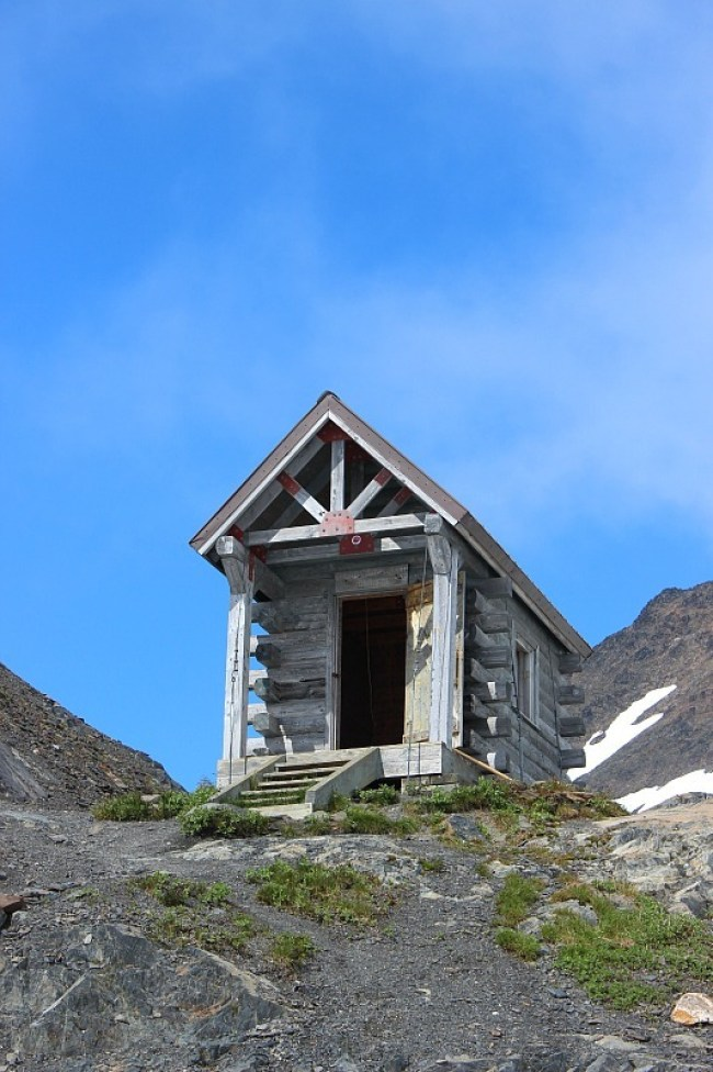 Basic shelter on Harding Icefield Trail