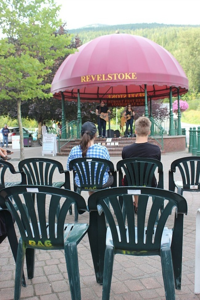 Concert in Grizzly Plaza in Revelstoke