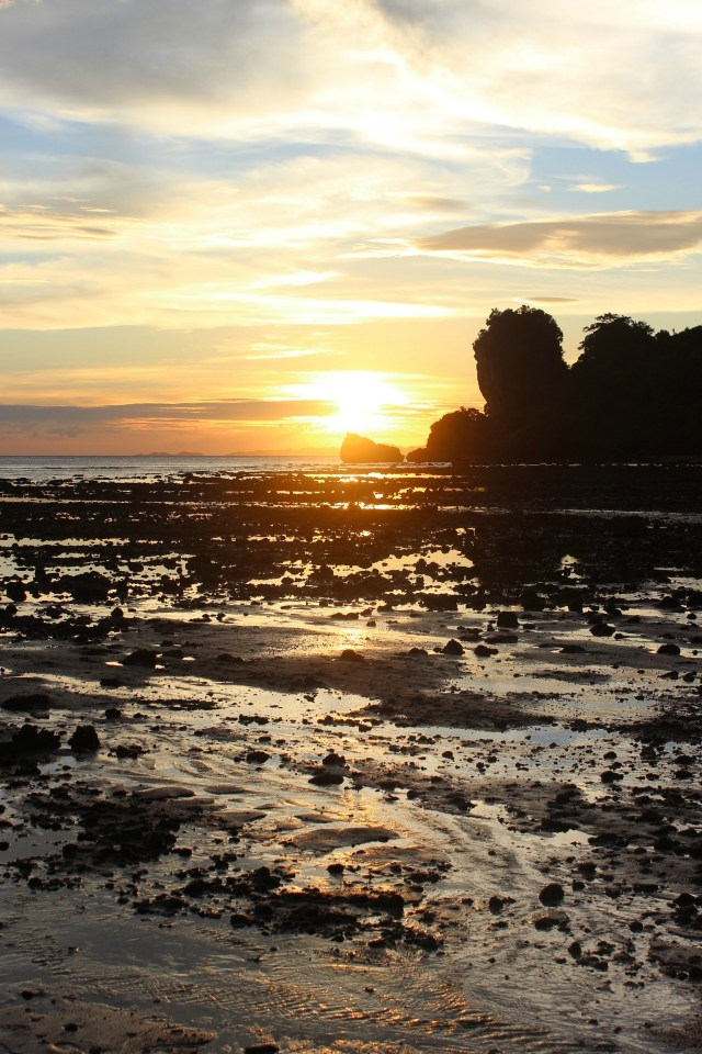Tonsai beach sunset