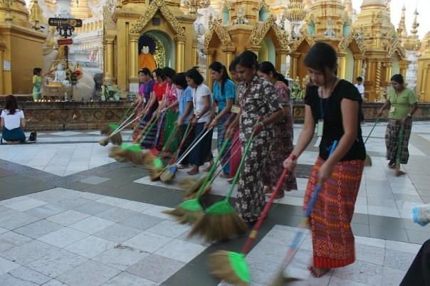 Sweeping Shwedagon Pagoda in Yangon Myanmar