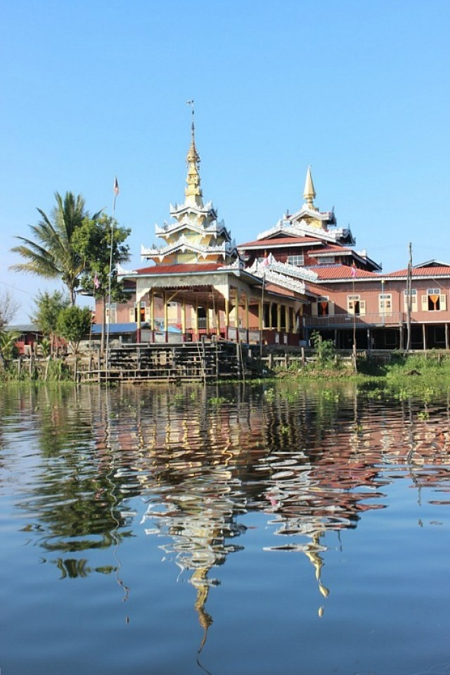 Jumping Cat Monastery on Inle Lake