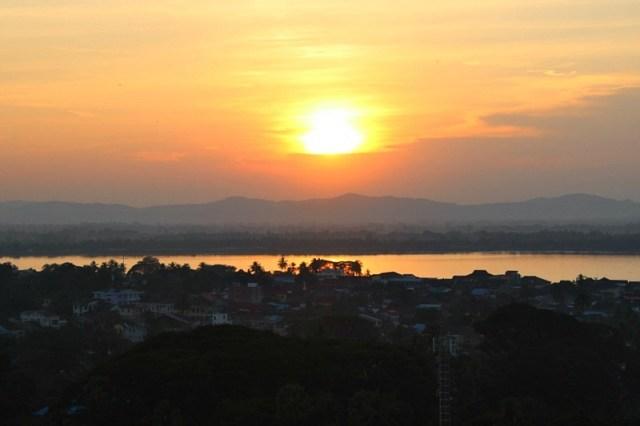 Sunset at Kyaikthanlan Paya in Mawlamyine