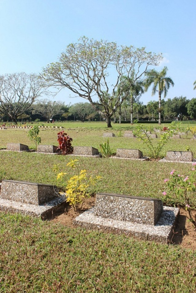 Thanbyuzayat Military Cemetery in Myanmar near Mawlamyine