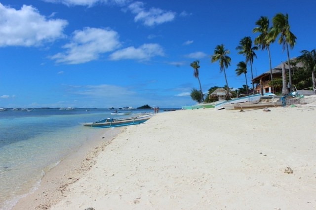 beautiful-beach-on Malapascua Island
