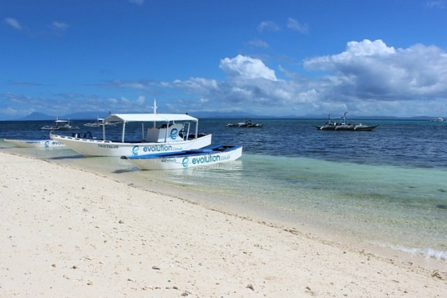boats-at-malapascua-island