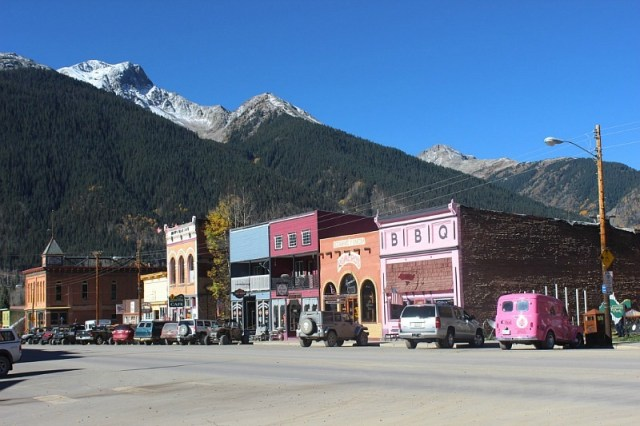 visiting in silverton Colorado during month 16 of digital nomad life