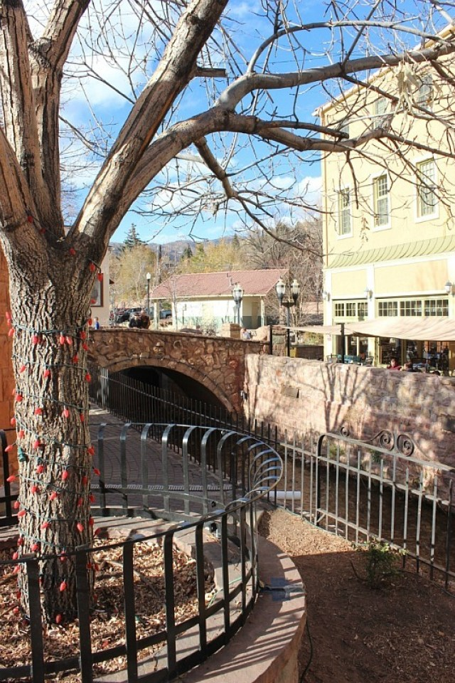 Winter in Manitou Springs Colorado during month 17 of digital nomad life