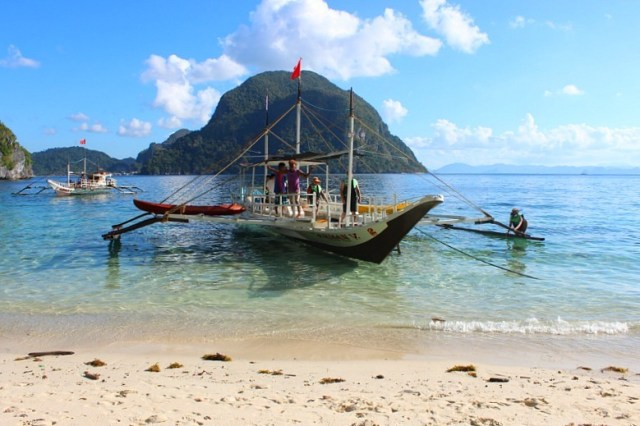 Boats in El Nido, Palawan - Avatar's Pandora come to life in the Philippines