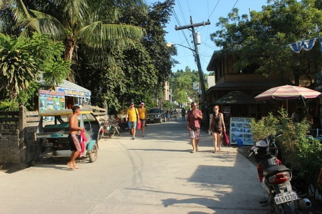 Downtown El Nido, Palawan - Avatar's Pandora come to life in the Philippines