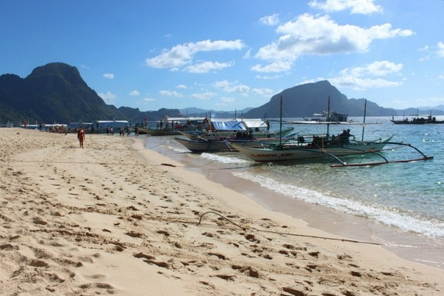 El Nido island hopping in the Philippines