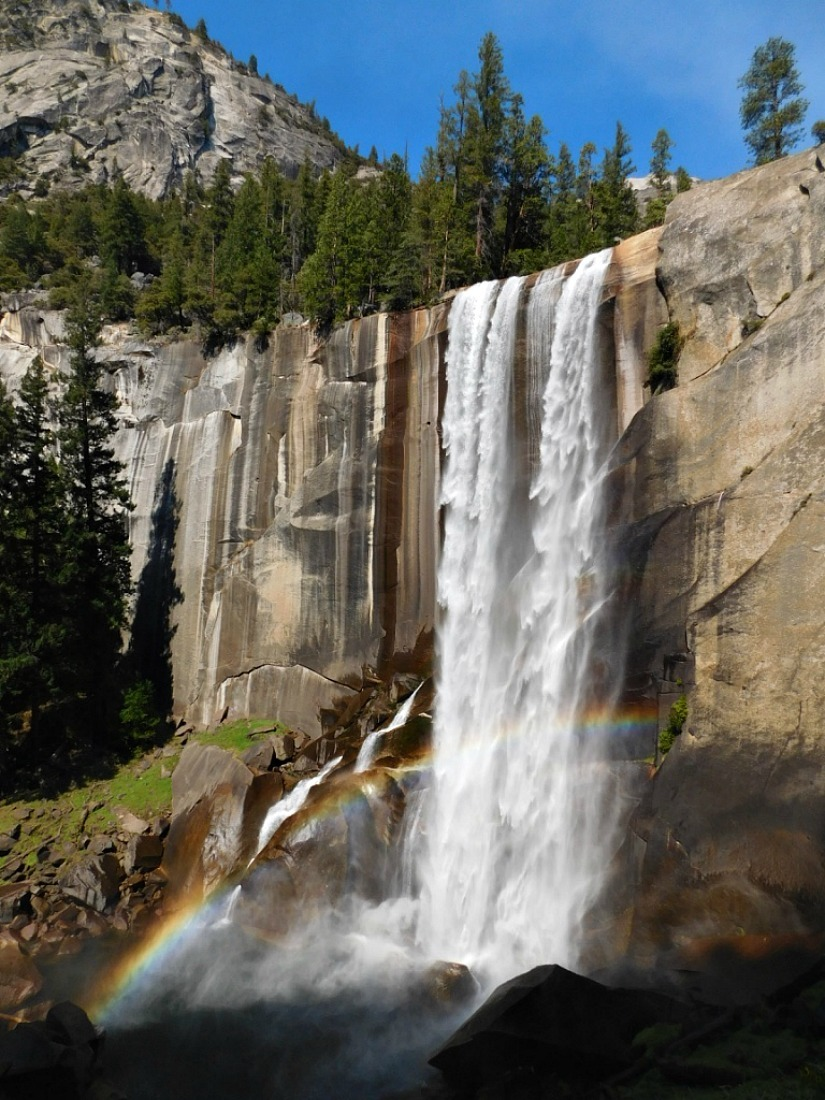 Hiking to Vernal Fall in Yosemite National Park during month 27 of digital nomad life