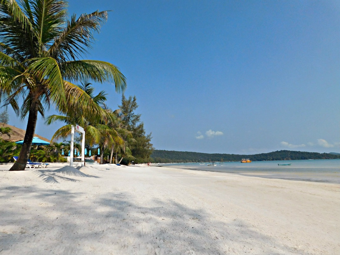 Beautiful Saracen Bay beach on Koh Rong Sanloem in Cambodia