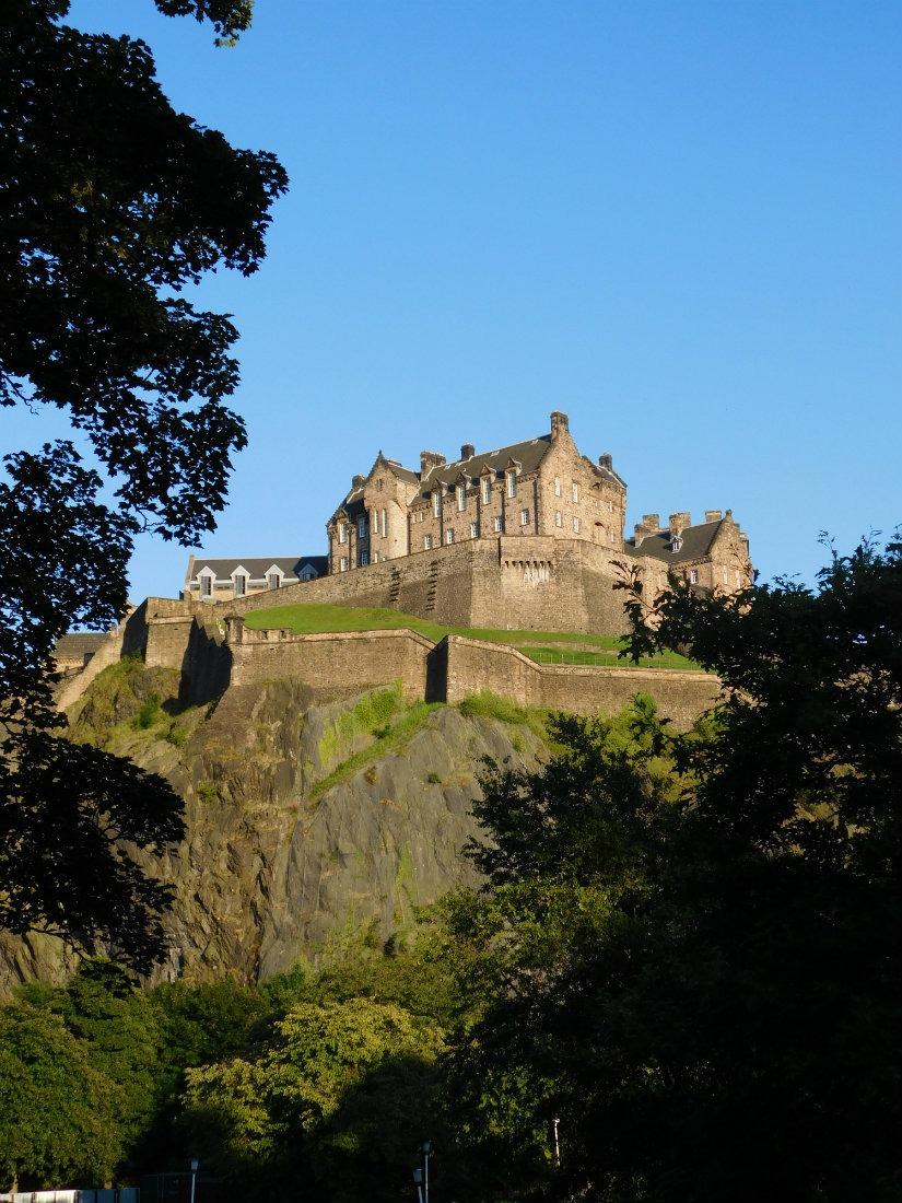 Returning to Edinburgh has been a highlight of my nomadic life. | The World on my Necklace #Edinburgh #nomadiclife